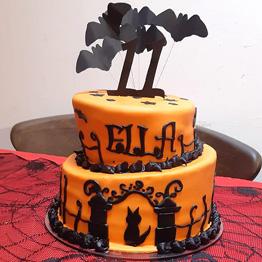 Halloween cake for Ella